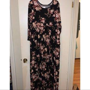 Beautiful plus size black floral maxi dress!